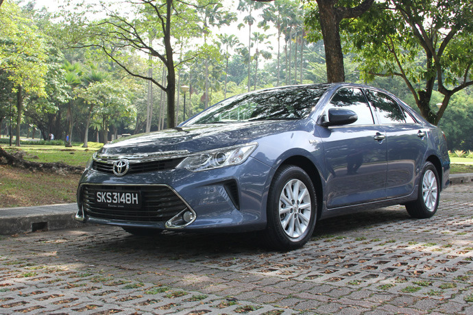 toyota camry 2 0 review singapore drive and summary. Black Bedroom Furniture Sets. Home Design Ideas