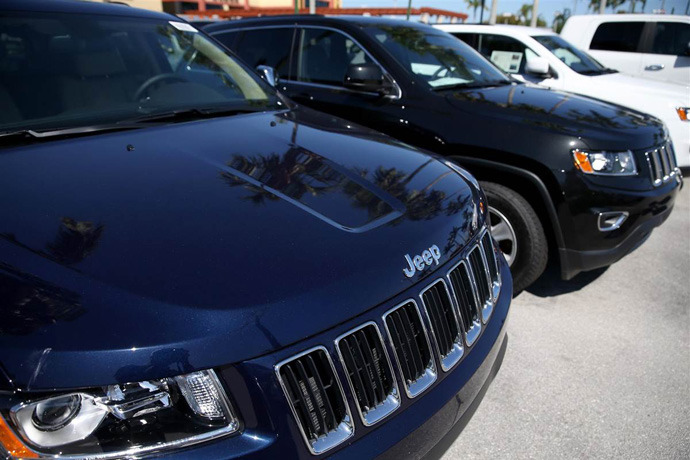 Hackers get into Jeep cars system and take over the vehicle