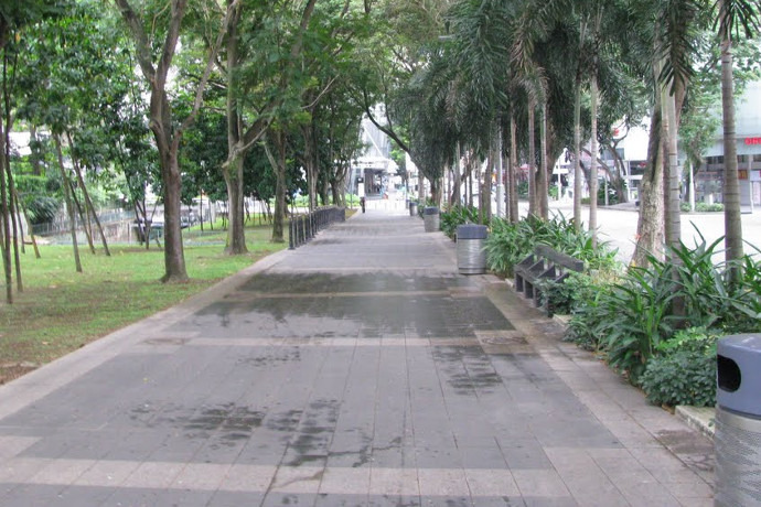 SG: LTA to implement rules for walkways and pavements