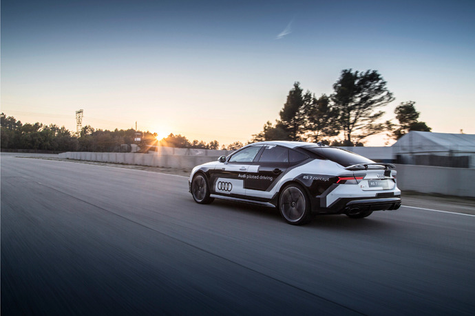Audi RS 7 autonomous car sets record on Spanish racetrack
