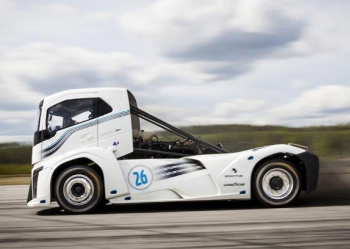 "Volvo's ""Iron Knight"" Breaks World Speed Records"