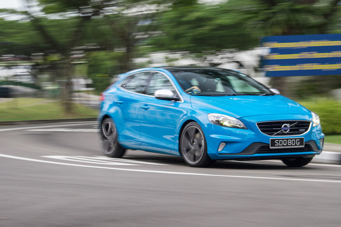 Volvo V40 T4 1.6 (A) R-design Review