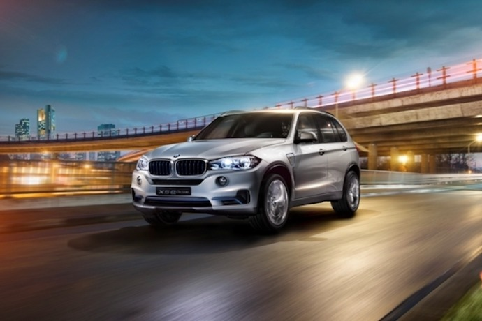 BMW eDrive meets BMW xDrive - a pioneering combination delivering efficient driving pleasure