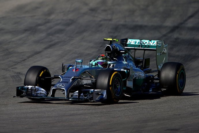 F1: Rosberg wins at home