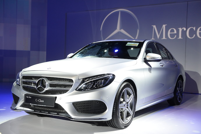 Singapore Welcomes The New Mercedes Benz C-Class in Sheer Style