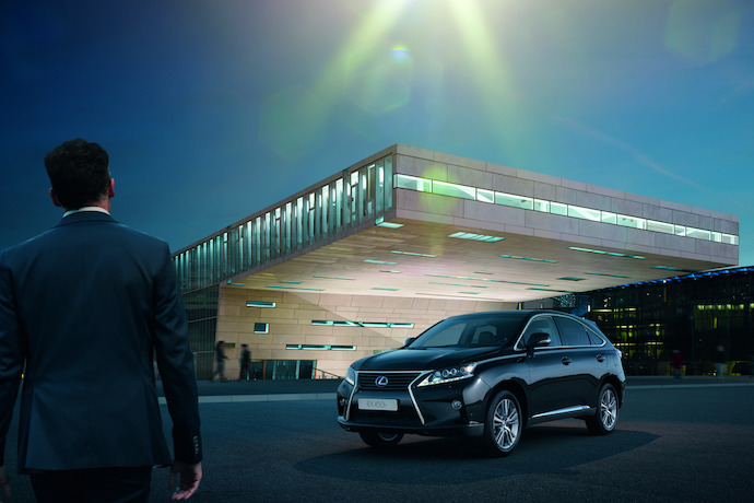 The New Lexus RX 450h Advance