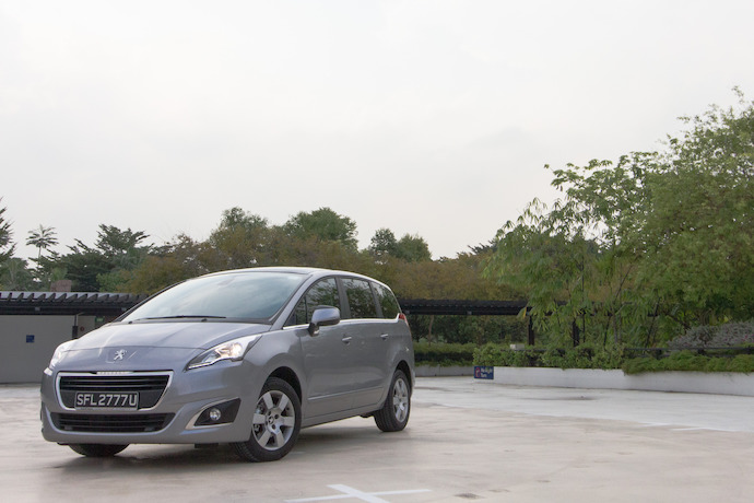 Peugeot 5008 1.6 e-HDi (A) Review