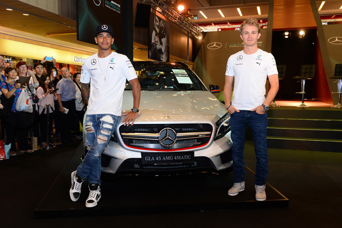 Hamilton and Rosberg descends on Paragon