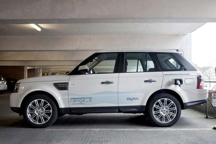 UK: Range Rover goes electric