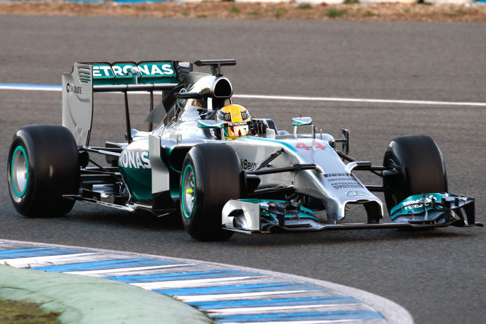 F1: Hamilton clinches 2014 title after Abu Dhabi thriller
