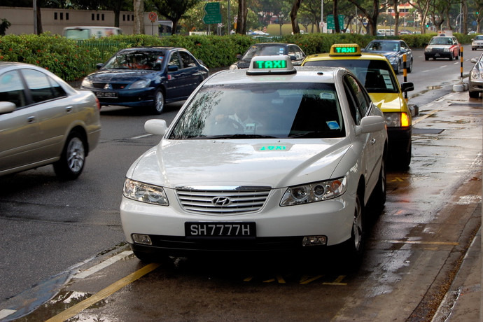 SG: LTA to launch taxi booking app