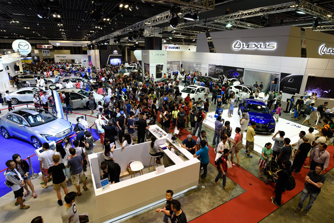 Record visitor numbers for Singapore Motorshow 2015