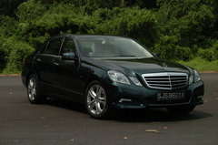 Mercedes-Benz E<br />200 CGI BlueEfficiency (ELEGANCE) (A)