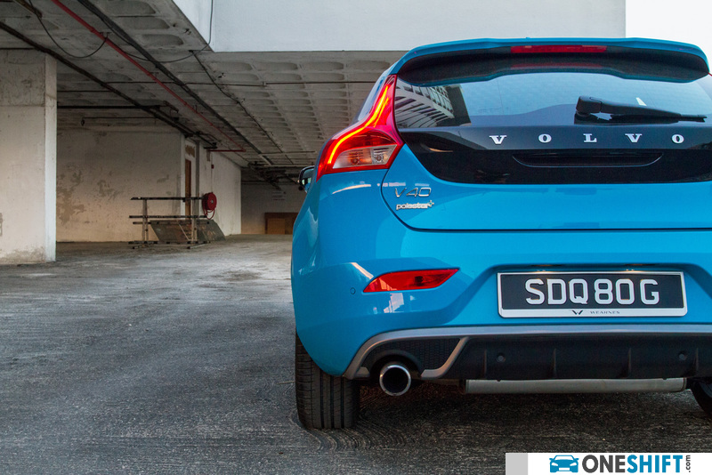 Volvo V40 1 6 A T4 R Design 2013 Photo Images Gallery