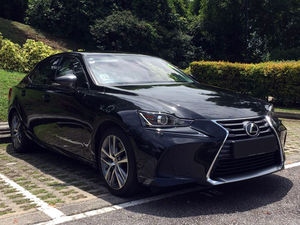 Lexus IS200T Executive (A)