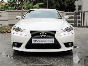 Lexus Turbo IS200T Executive 2016