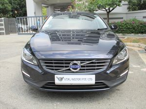 Volvo S60 T2 (A)