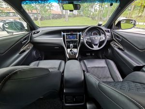 Toyota Harrier 2.0A Elegance Panoramic 2016