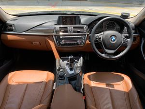 BMW 3 Series 316i Luxury 2013